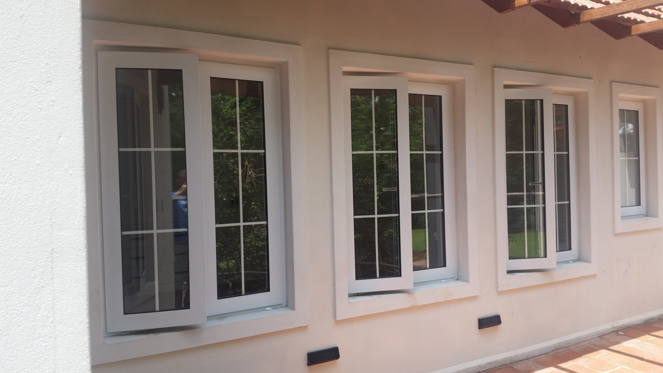 Side Hung Cottage Style Windows Without Mullion